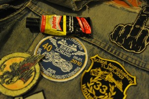 36663079-patches-kleben